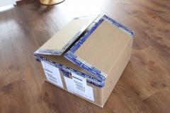 Daar is ie dan, een behoorlijke doos...
